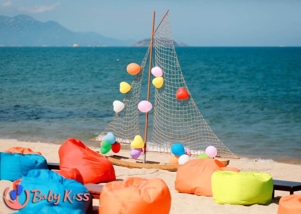 Nên chọn mẫu ghế lười hạt xốp bãi biển và resort nào trong năm 2021